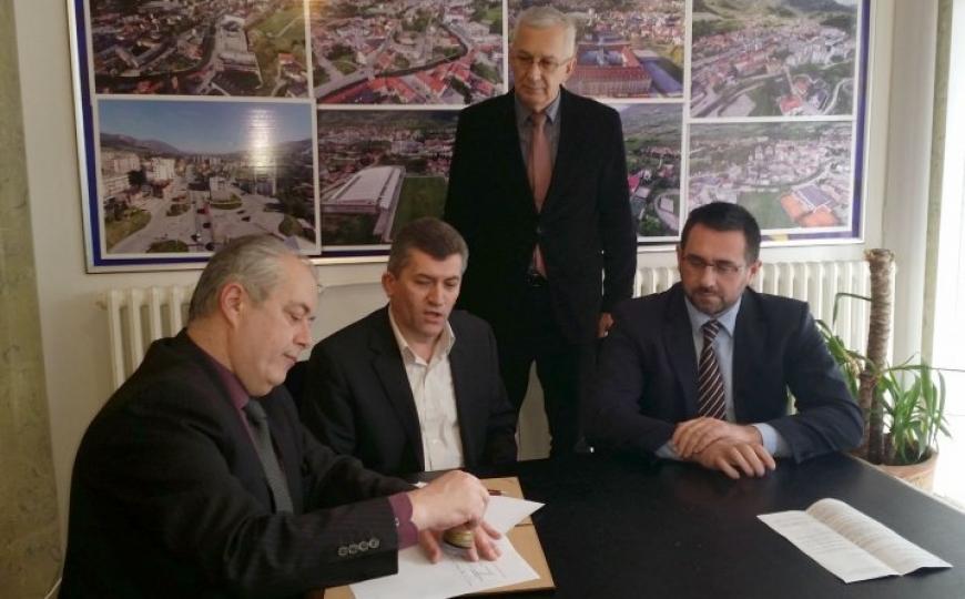 Travnik: Potpisan sporazum o izgradnji zgrade za raseljene osobe i povratnike